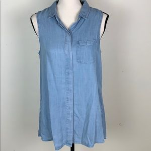 Love Stitch sz med sleeveless chambray top NWOT